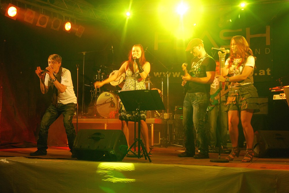 Coverband Flash beim Hallenfest Tarsdorf