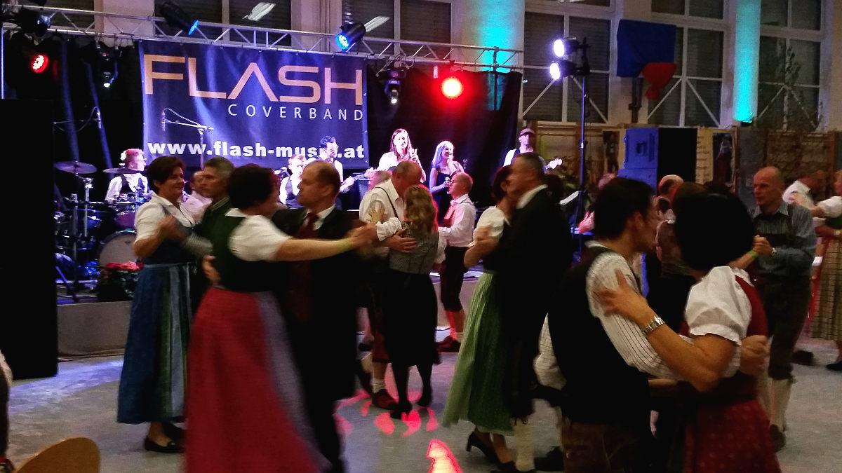 Tanzband Flash am Trachtenball der LJ Schleißheim