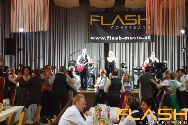 Coverband Flash live beim Ball der FF Steinersdorf