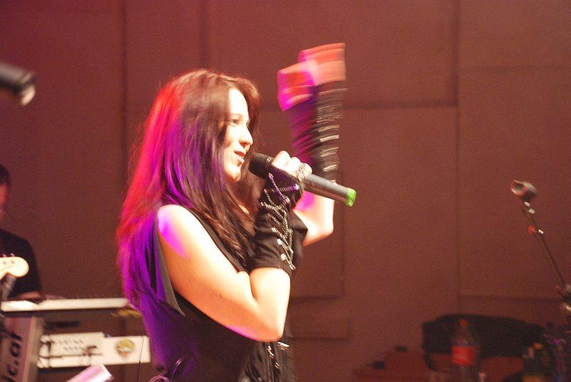 Sängerin Michaela beim Auftritt bei der Black Devils Night in Prägraten 2011