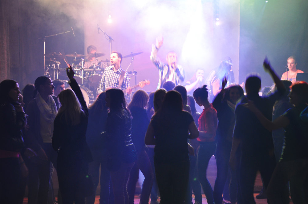 """Coverband Flash beim Zeltfest """"Most Wanted"""" in Alberndorf"""