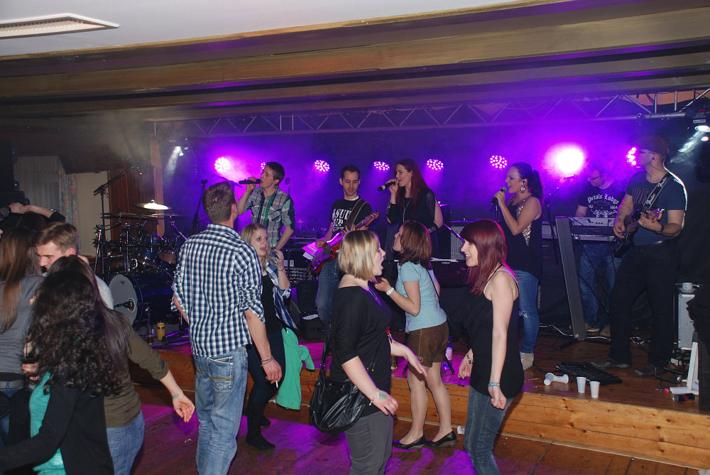 Coverband Flash beim Ostertanz der LJ Geretsberg