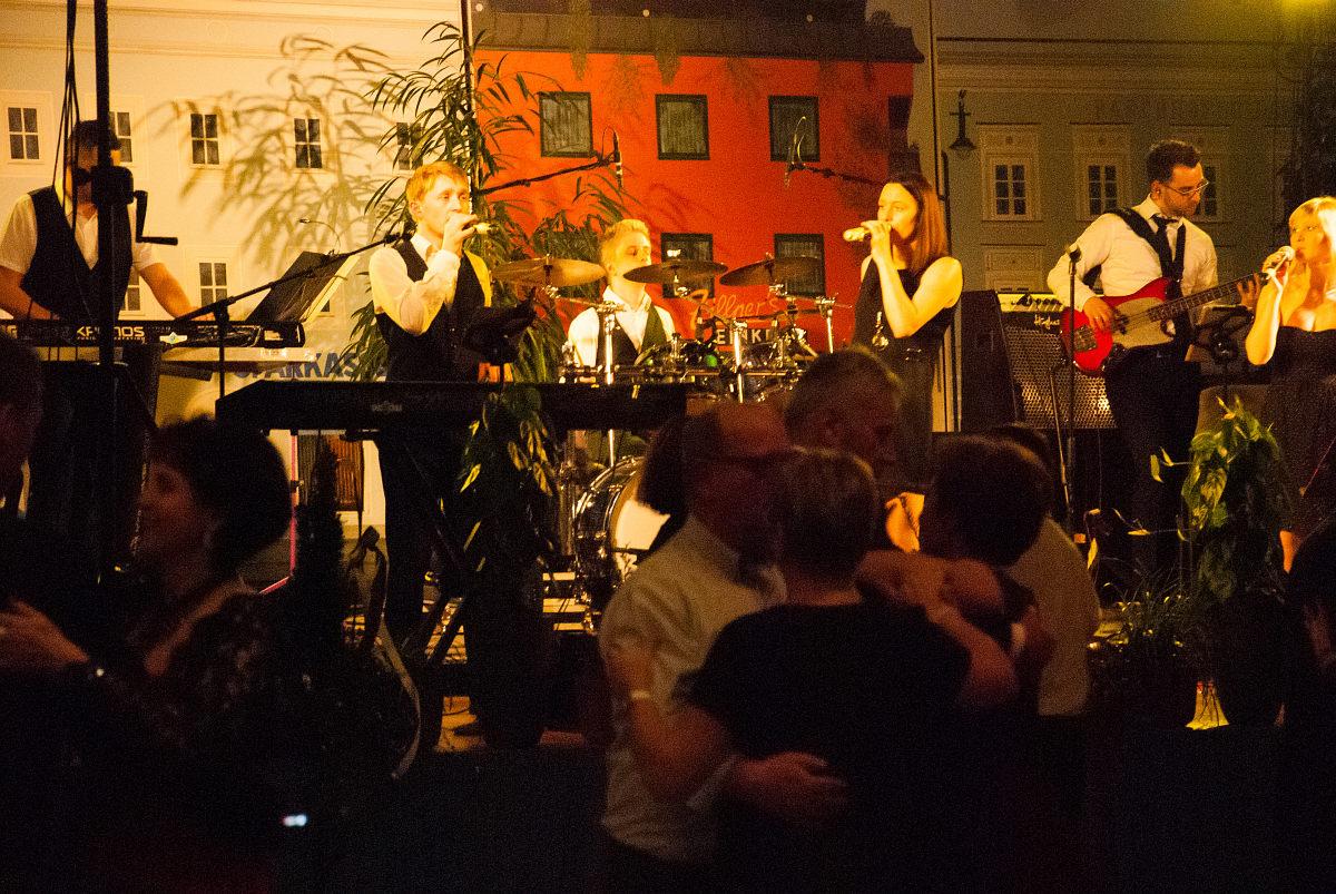 Tanzband Flash am Stadball in Altheim
