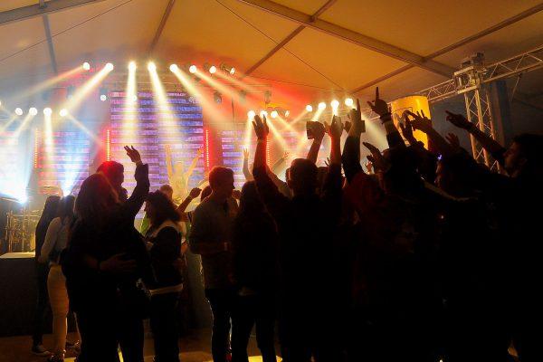 Super Stimmung auf der Tanzfläche mit der Band Flash