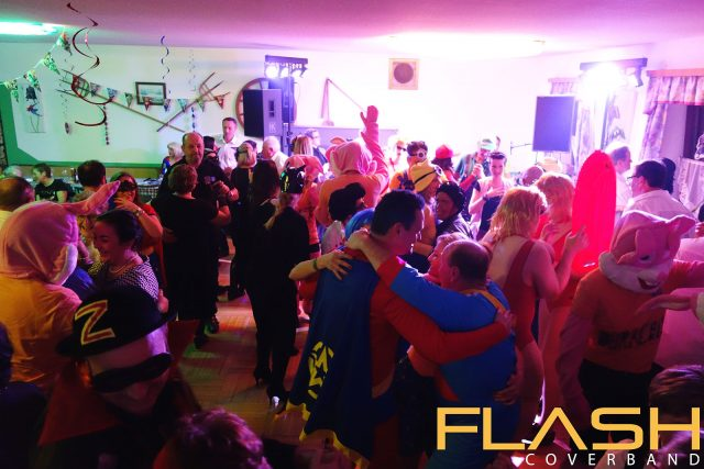 Partyband Flash live am Maskenball Scharten 2017